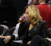 Хайден Панотье, фото 14533. Hayden Panettiere - watching a basketball game at the Staples Center 03/07/12, foto 14533