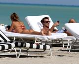 th_45114_Jesica_Cirio_Bikini_Candids_on_the_Beach_in_Miami_October_29_2012_10_122_220lo.jpg