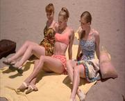 Amy Adams - Psycho Beach Party 2000 - 720x570