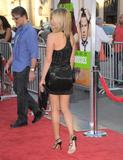 th_11819_JenniferAniston_HorribleBossespremiere_Hollywood_300611_043_122_346lo.jpg