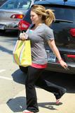 http://img269.imagevenue.com/loc559/th_97850_Hilary_Duff_out_in_Beverly_Hills71_122_559lo.jpg