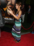 th_64128_Halle_Berry_The_Soloist_premiere_in_Los_Angeles_19_122_582lo.jpg